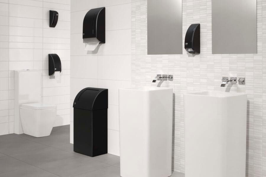 Schone toiletruimte na de schoonmaak door Schilten Schoonmaak
