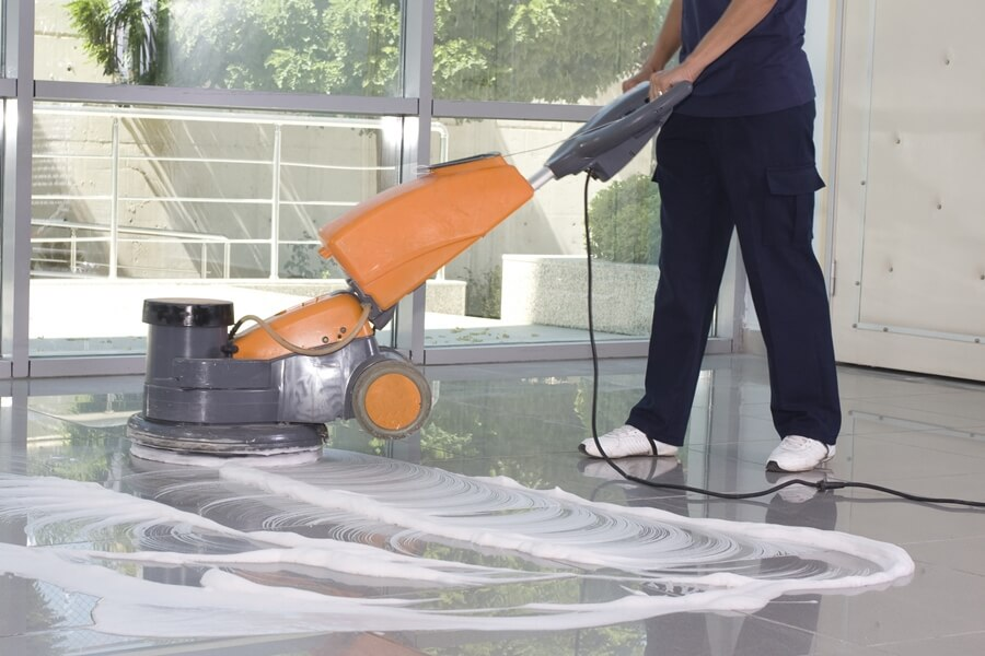 Vloeronderhoud en tapijtreiniging door Schilten Schoonmaak