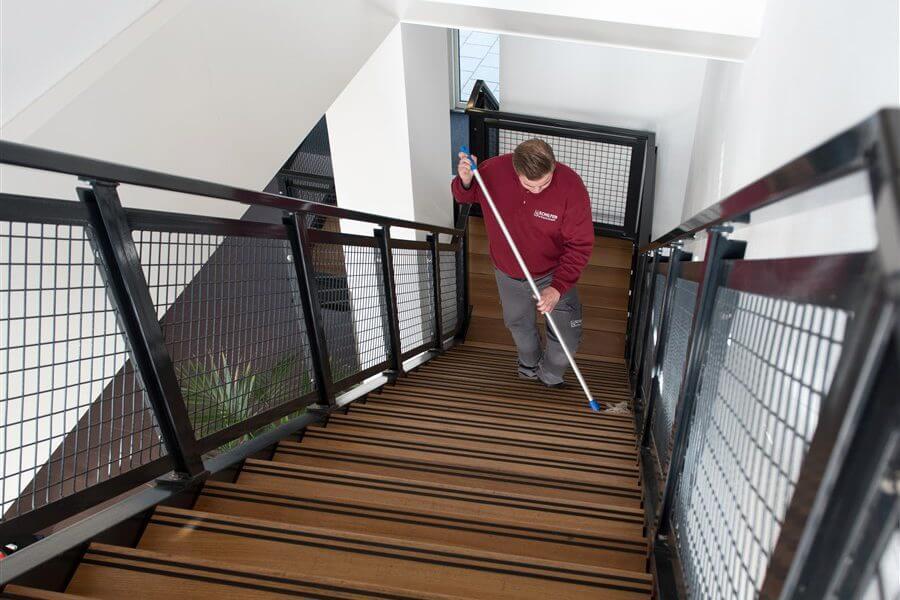 trappenhuis vve schoonmaak