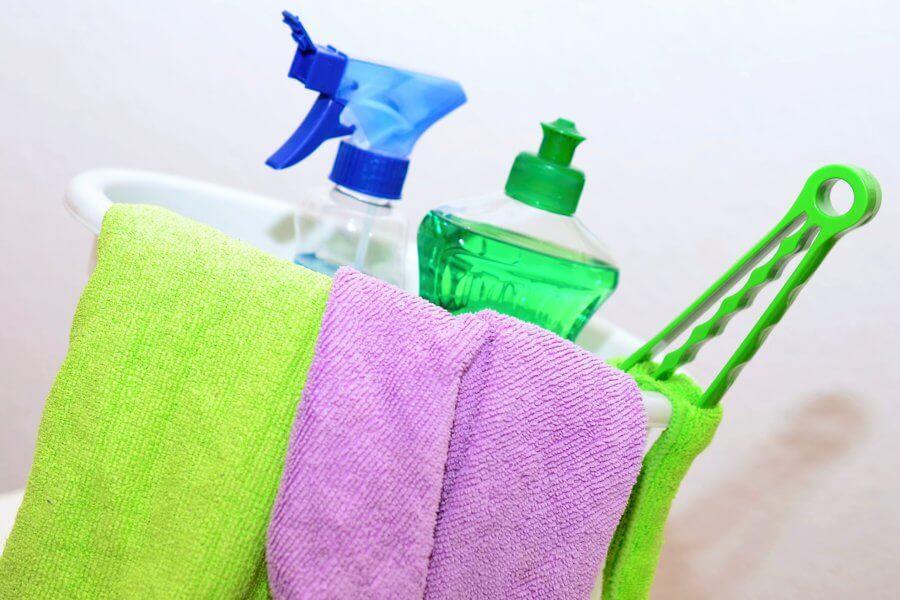 professioneel schoonmaken op kantoor